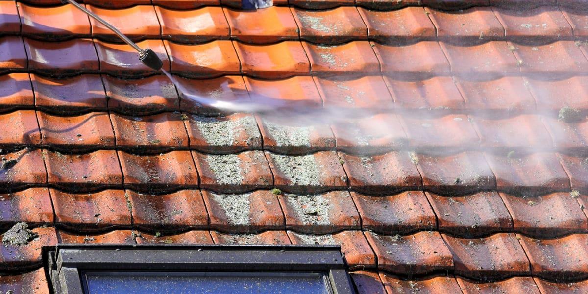 zelf dak ontmossen